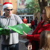 Dec. 16: City Staff Hands Out Reusable Bags to Santa Visitors at Valencia Town Center