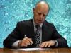Brown Signs Wilk Bill Merging SCV Water Agencies