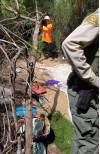 SCV Deputies, Caltrans Workers Visit Homeless Encampments in Valencia