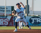 JetHawks Lose Big to Giants Saturday