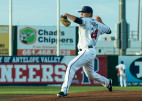JetHawks Take Rubber Game, Series from Nuts