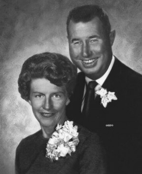 The writer's parents, Pat and Alton Manzer.
