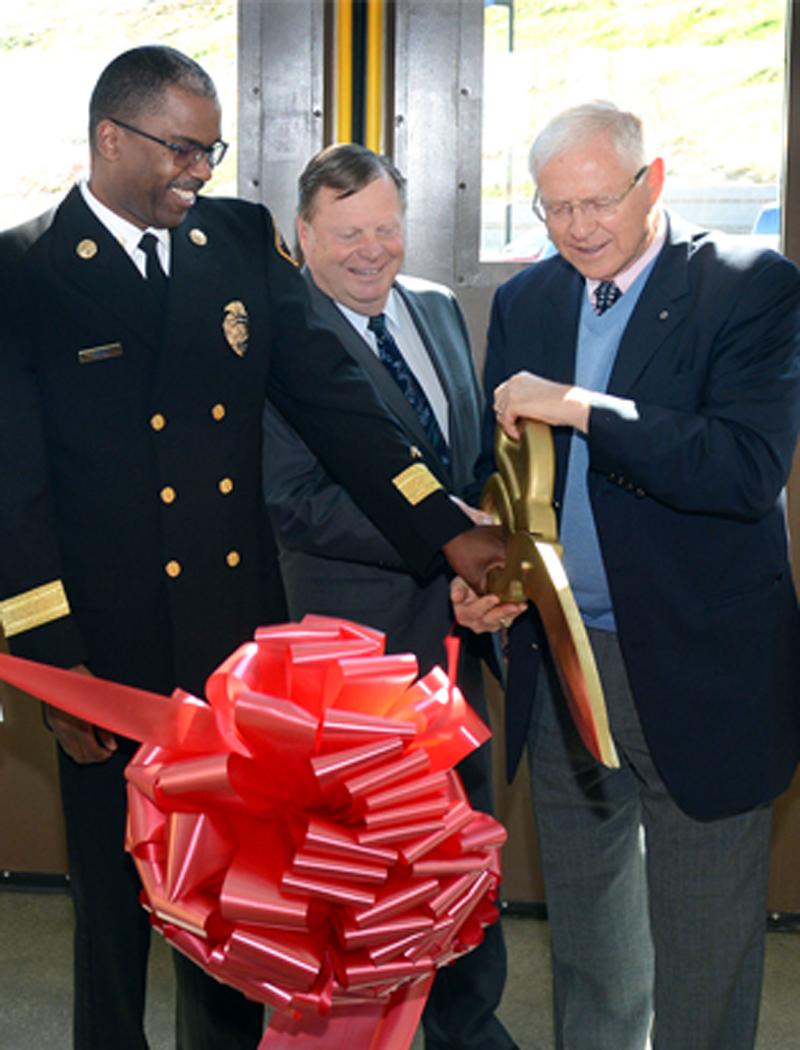 County Fire Chief Daryl Osby, Santa Clarita Mayor Bob Kellar, Supervisor Michael D. Antonovich