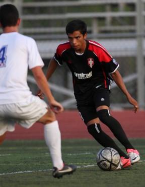 FCSC Storm midfieldter Julio Lopez