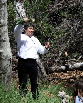 Sharing the story of Francisco Lopez's discovery with school children.