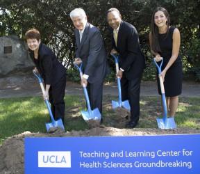 Dr. Margaret Stuber, Chancellor Gene Block, Dr. Eugene Washington and medical student Caroline Gross. Photo: Ann Johannson/UCLA.