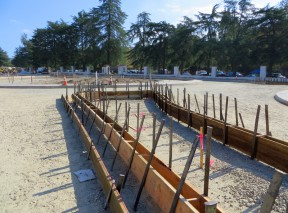 Click image for more views of roundabout construction.