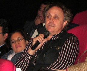 Film historian Marc Wanamaker participates from the audience. Photo: SCVTV.
