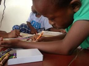 mothers-fighting-others-raises-money-educate-girls-kenya-41612
