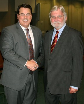 Incoming CEO Art Leahy (right) with O.C. Supervisor Shawn Nelson, chair of the Metrolink board.
