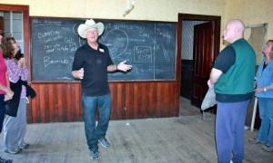Harte leads a tour in Mentryville's Felton schoolhouse. Photo by Evelyne Vandersande.