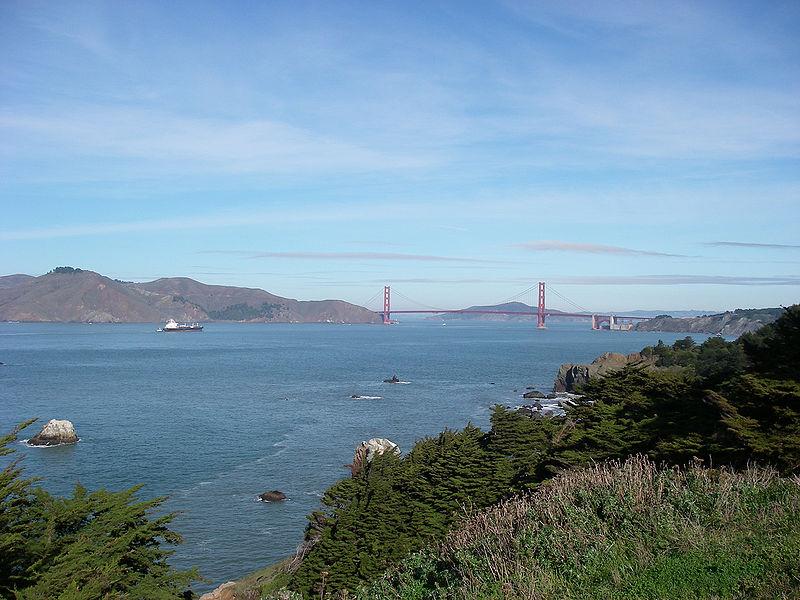 800px-Golden_Gate_-_Lands_End_-_Point_Lobos_2009
