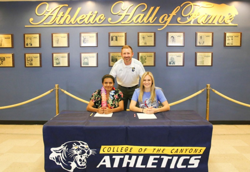 cocsoccer020816_signees