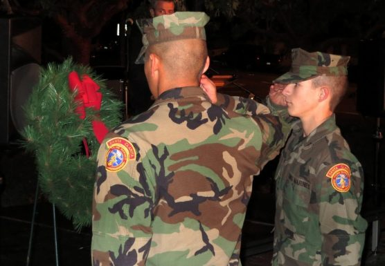 tree-2013-scv-young-marines-place-wreath-for-fallen