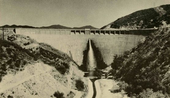 Image of St. Francis Dam before the failure.