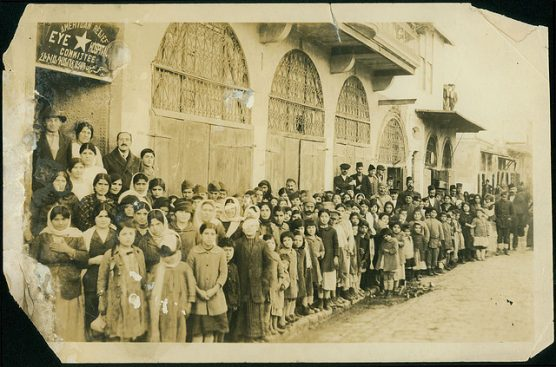 Aleppo, January 1920: Armenian refugees at the American Relief eye hospital, photo by University of Michigan Expedition, George R. Swain, Ann Arbor, Michigan. | Photo:  PD-Wikimedia Commons