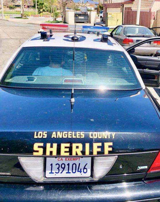 Santa Clarita Valley Sheriff's Station deputies make an arrest. File photo.