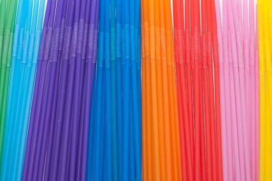 Colorful plastic drinking straws, sorted. Photo: Horia Varlan-WMC 2.0.