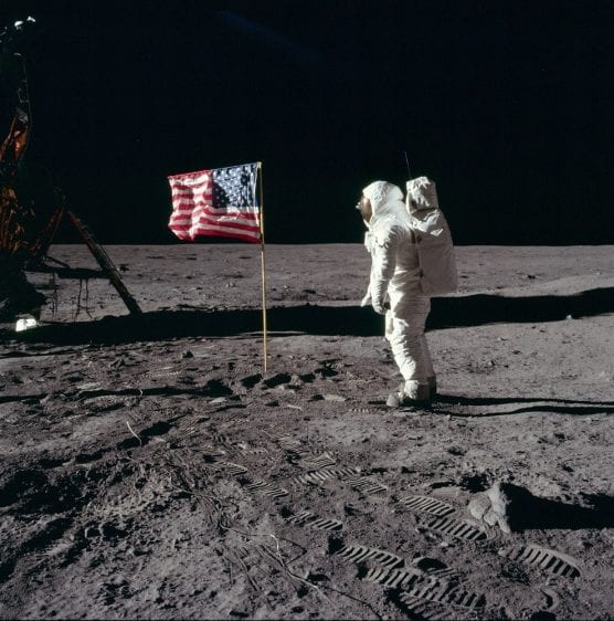 Astronaut Buzz Aldrin poses for a photograph beside the deployed United States flag on the lunar surface during the Apollo 11 moon mission in July 1969. | Photo: NASA/Neil Armstrong.