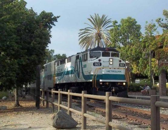 metro - Metrolink train on the Antelope Valley Line.