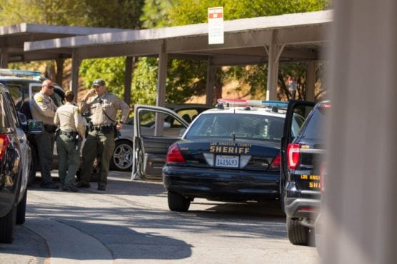 LASD deputies detain four suspects in a vehicle theft at the Peachland Condominiums on Peachland Ave. in Newhall on Monday, Sept. 23. | Photo: Gilbert Bernal/The Signal.