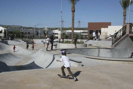 The first riders drop in at the Santa Clarita Skatepark on opening day, March 26, 2009. | Photo: Stephen K. Peeples.