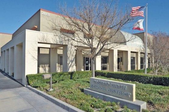 Castaic Union School District office.   Photo: Dan Watson / The Signal.