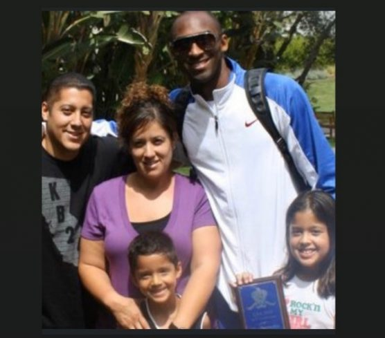 kobe - Saugus boys basketball coach Alfredo Manzano (left) and his family had the opportunity to meet the late Kobe Bryant.   Photo courtesy Alfredo Manzano.