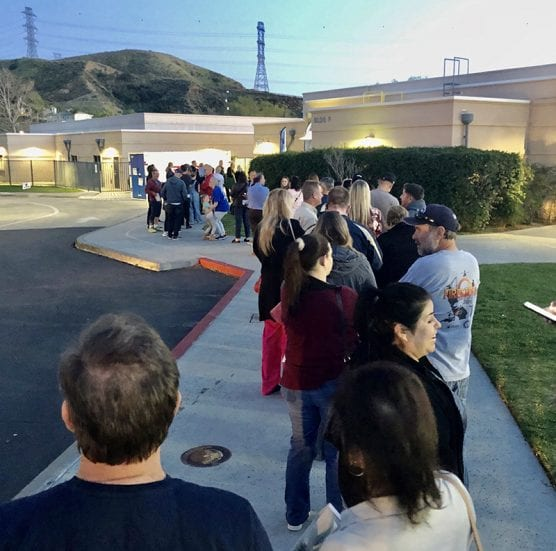 Voters wait to cast ballots at the Vote Center set up at Mountainview Elementary in Saugus for the primary election on March 4, 2020. | Photo: Pearl Obispo.